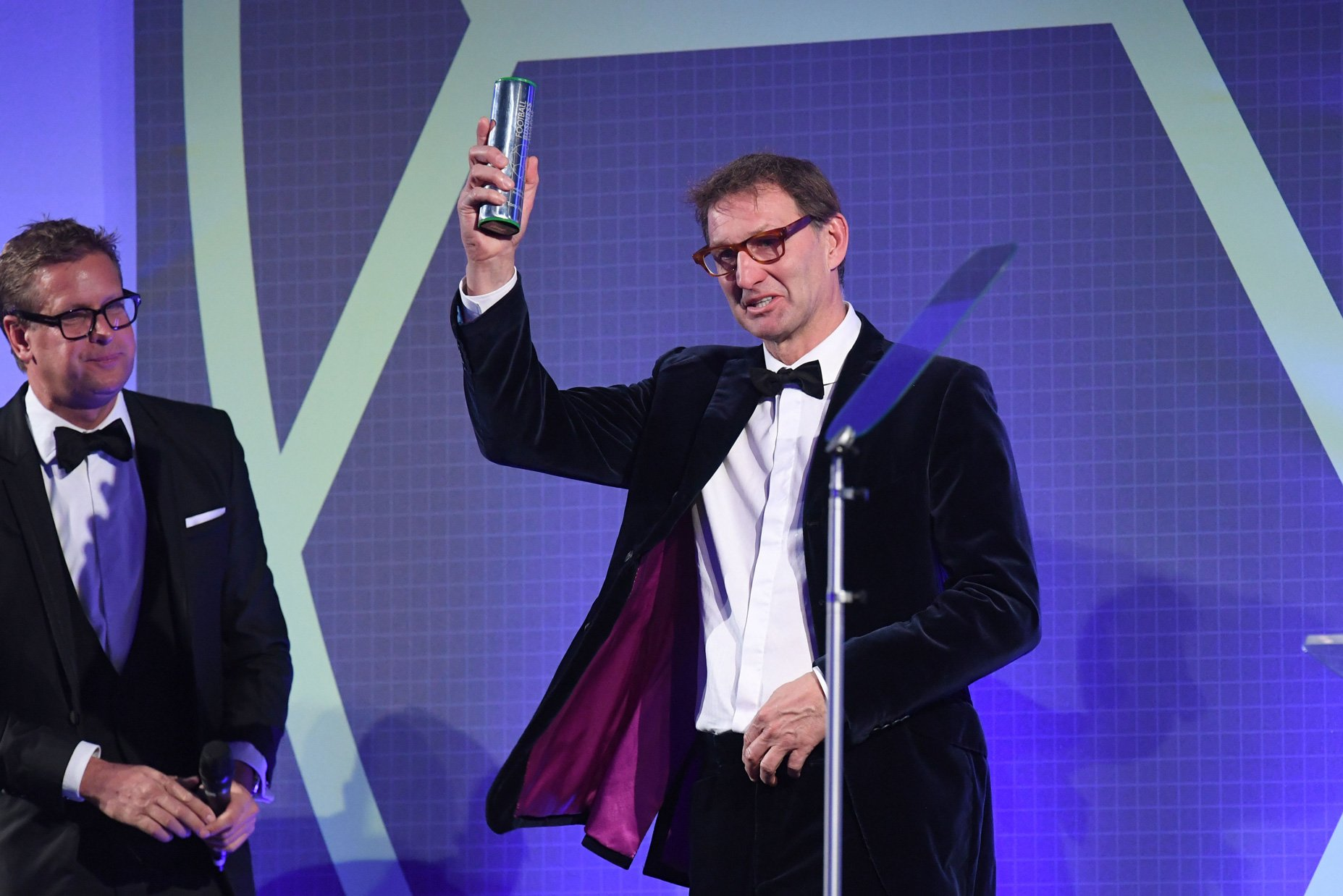 Tony Adams receives the 2018 Global Football Ambassador Award